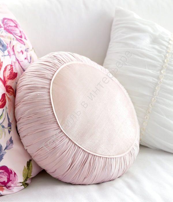 Диванная круглая подушка своими руками