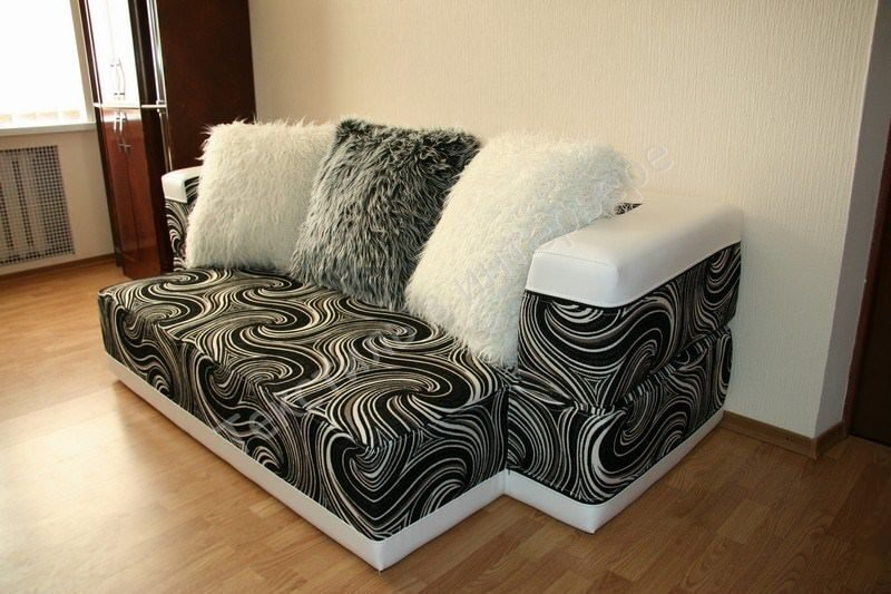 """Бескаркасная мебель - """"подушки""""."""